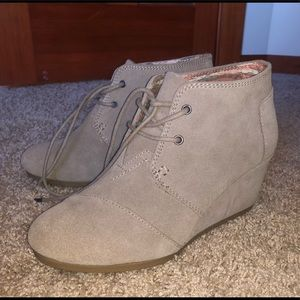 Like New TOMS booties size 7.5
